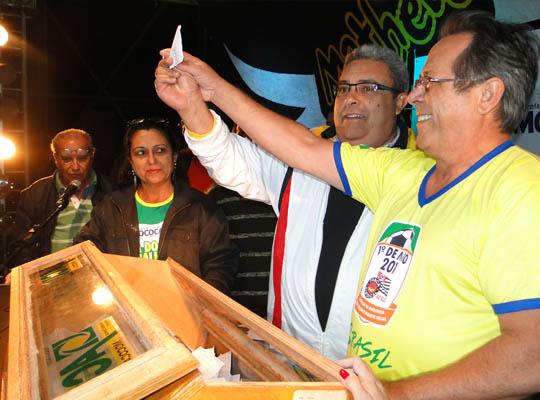1maio00 01 Sindicato entrega prêmio em homenagem ao Dia do Trabalhador