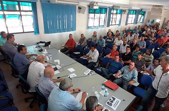 24565z CNTM e Federação dos Metalúrgicos de SP debatem Compromisso pelo Desenvolvimento