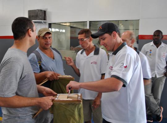 ACHRCo2out201202  Trabalhadores da RCO aprovam Banco de Horas