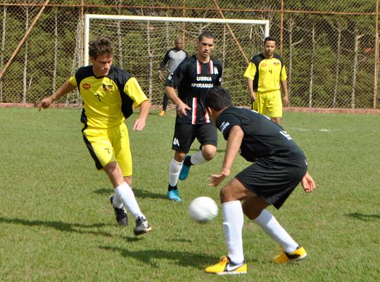 FUTFINAL01 Usina Ipiranga vence o XIV Campeonato de Futebol Society do Sindicato