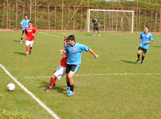 FUTFINAL02 Usina Ipiranga vence o XIV Campeonato de Futebol Society do Sindicato