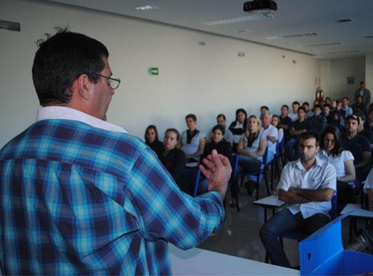 PLR201400 Sindicato avança nas negociações de PLR