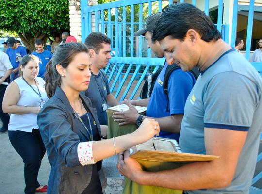 PLRChiaperini18abr2012002 Trabalhadores aprovam acordo de PLR na Chiaperini