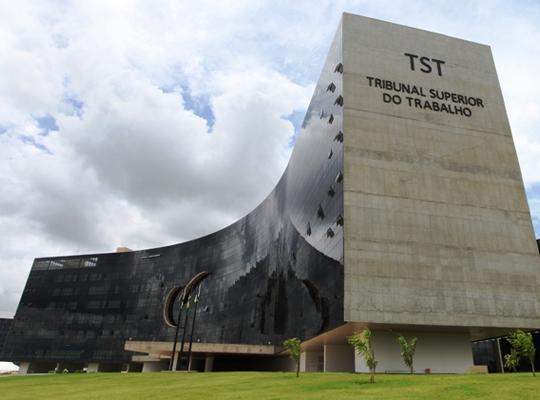 TST01 Justiça do Trabalho paga R$ 15 bilhões para trabalhadores em ações judiciais