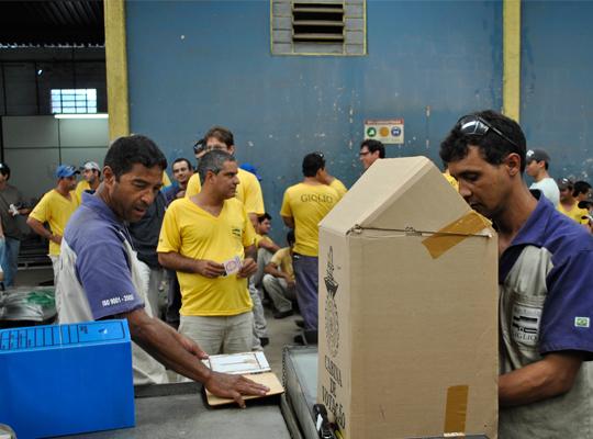 aeembleiaGiglioPLR11abr201203 Figueiredo & Giglio: rejeitada proposta de PLR