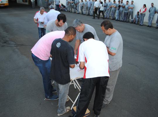 assInca0013 Assembleia define mudança de Horário de Trabalho na Metalúrgica Inca