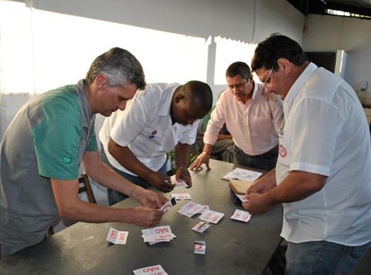 assLemarPLR10jun201302 Empregados da Lemar aprovam proposta de PLR