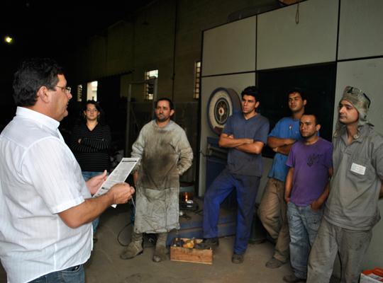assPLRSalesGomes23mai201201 Trabalhadores da Sales Gomes aprovam proposta de PLR