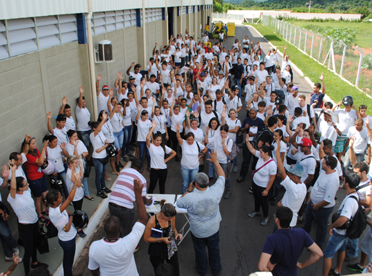 assdelphi00 Sindicato realiza primeira assembleia na Delphi Automotive