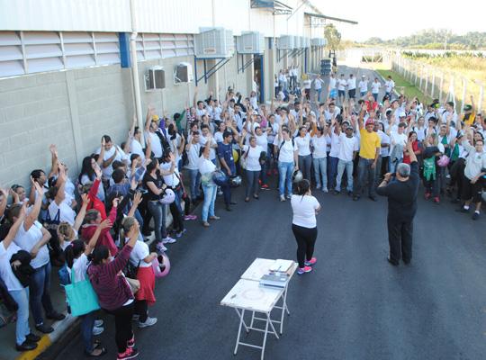 assdelphi14jul00 Novas conquistas para os empregados da Delphi