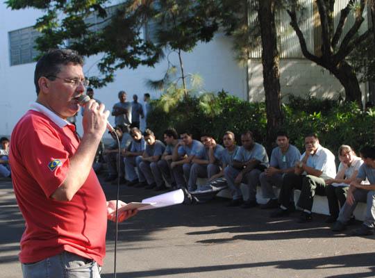 assinca17031401 Empregados da Metalúrgica Inca aprovam propostas  de Acordo de Horário e PLR