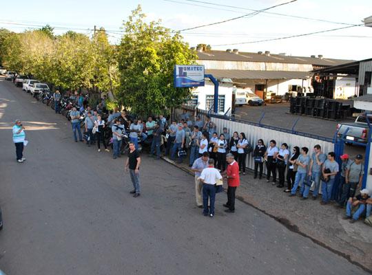 asslumatecago201300 Empregados aprovam negociação de PLR na Lumatec