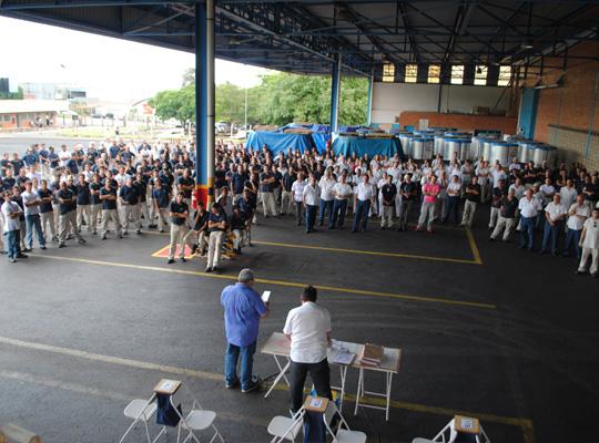 assmetnov00 Assembleia aprova reajuste salarial e PLR na Metalúrgica Mococa