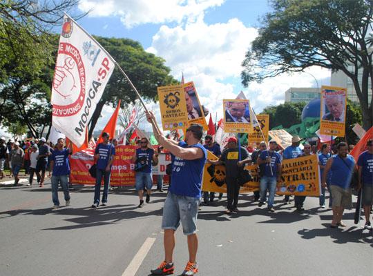 bra001 Metalúrgicos de Mococa presentes na Marcha de Brasília Contra as Reformas Trabalhista e Previdenciária e por Eleições Diretas Já! Fora Temer!!!