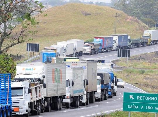 caminhoneiros São Paulo (SP): Sindicalistas contra as alterações na jornada de trabalho dos caminhoneiros