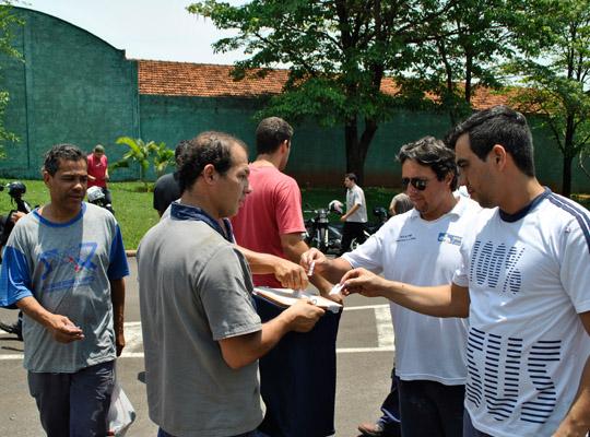 campsal2012004 Campanha Salarial 2012: Trabalhadores aprovam em assembleias contra proposta dos sindicatos patronais