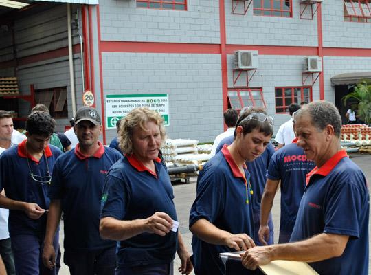 campsal2012006 Campanha Salarial 2012: Trabalhadores aprovam em assembleias contra proposta dos sindicatos patronais