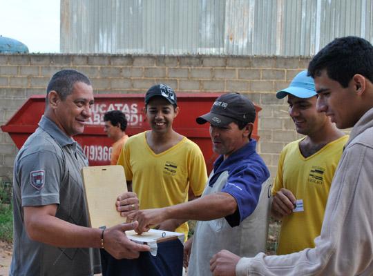 campsal2012014 Campanha Salarial 2012: Trabalhadores aprovam em assembleias contra proposta dos sindicatos patronais