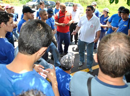 campsal2012015 Campanha Salarial 2012: Trabalhadores aprovam em assembleias contra proposta dos sindicatos patronais
