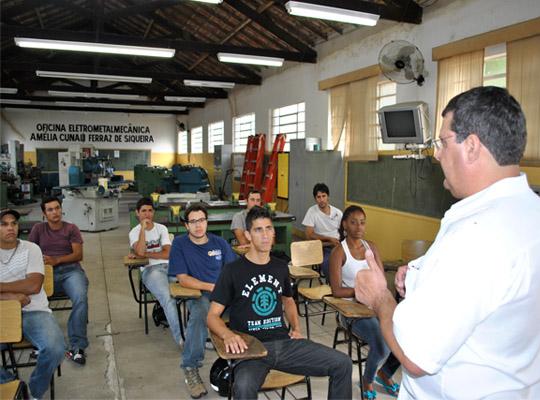 cursosolda00 Em parceria com Senai e IEPROM, Sindicato promove Curso de Solda gratuito com certificação profissional
