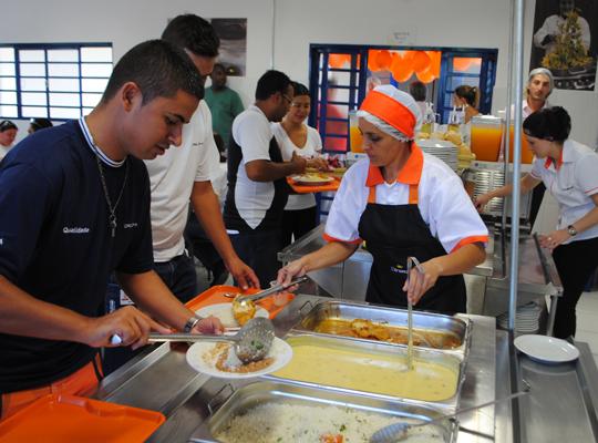 food02 Sindicato conquista alimentação para empregados da Delphi
