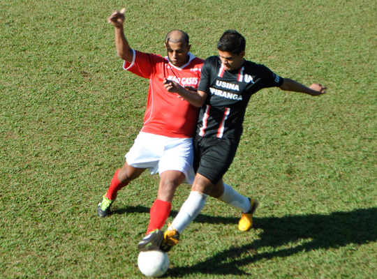 futsemifinal00 Maza e Usina Ipiranga são as finalistas do XIV Campeonato de Futebol Society
