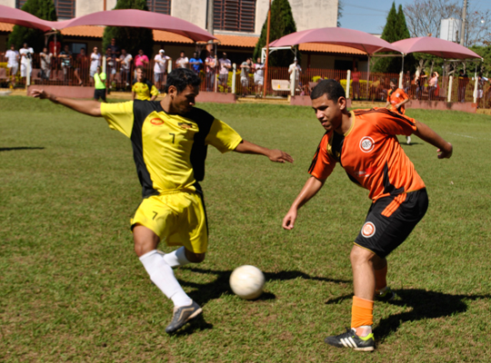 futsemifinal02 Maza e Usina Ipiranga são as finalistas do XIV Campeonato de Futebol Society