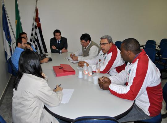 mesacopromem29mai201301 Mesa Redonda de Negociações por melhorias na PLR da Copromem