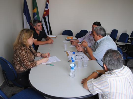 mesakromak02 Entendimento  entre Sindicato e as empresas Kromaq e Usimaq no Ministério Trabalho  em Ribeirão  Preto