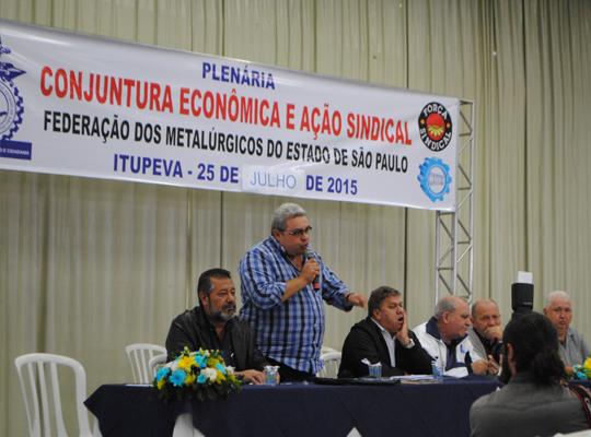 plen000 Federação dos Metalúrgicos realizou plenária de debate sobre a conjuntura econômica e ação sindical