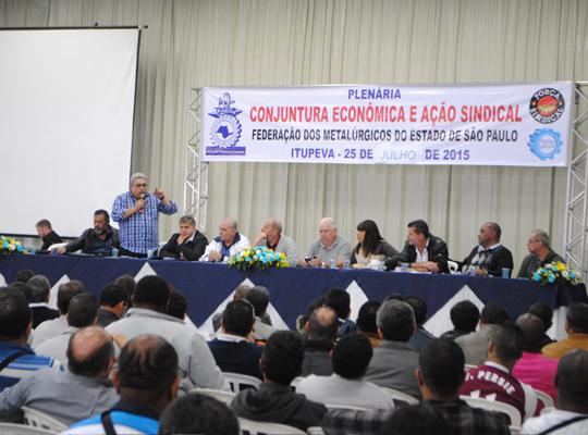 plen001 Federação dos Metalúrgicos realizou plenária de debate sobre a conjuntura econômica e ação sindical