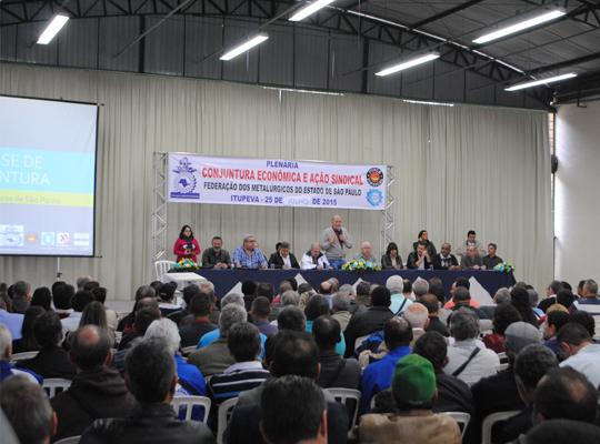 plen002 Federação dos Metalúrgicos realizou plenária de debate sobre a conjuntura econômica e ação sindical
