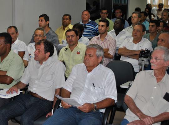 reuniaofora002 Metalúrgicos de Mococa e Força Sindical juntos contra a desindustrialização
