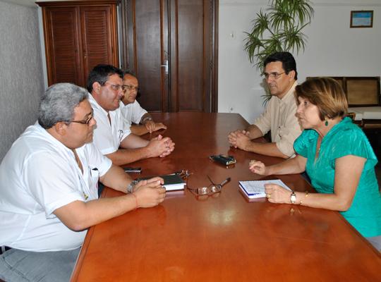 reuniaoprefeita4jan2013 Diretoria Administrativa do Sindicato e prefeita Maria Edna discutem prioridades e parcerias para Mococa